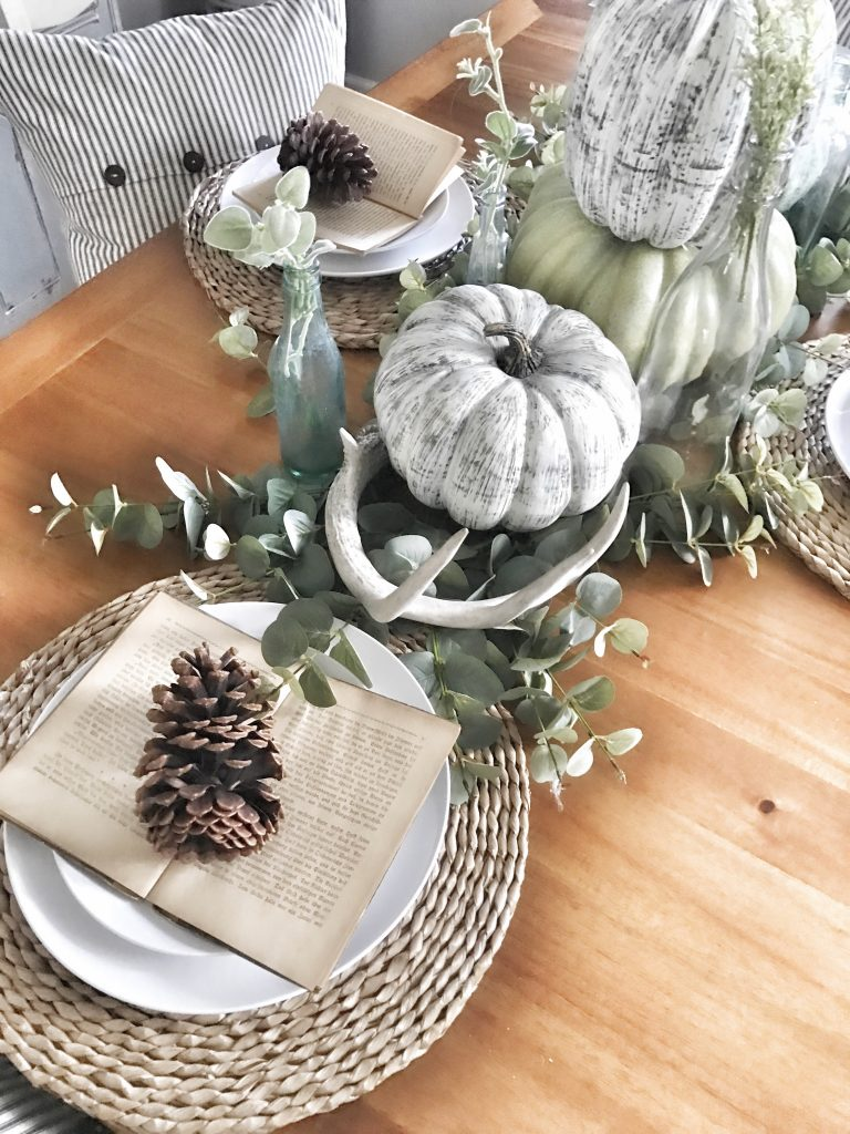 fall dining room tablescape and centerpiece