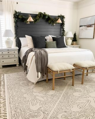 To take down the garland or leave it up. That is the question. The good thing about having minimal Christmas decor is that it can carry into a winter look. What do you think? Should it stay or go?   You can tour this room on the blog. Link in profile!  #bhghome #shiplap #modernfarmhouse #farmhousestyle #interiors123 #homedecor #farmhouseinspired #farmhousedecor #neutraldecor #americanfarmhousestyle #prettylittleinteriors #fixerupper #countrylivingmagazine #mydecorvibe #currentdesignsituation #betterhomesandgardens #barndoor #diy