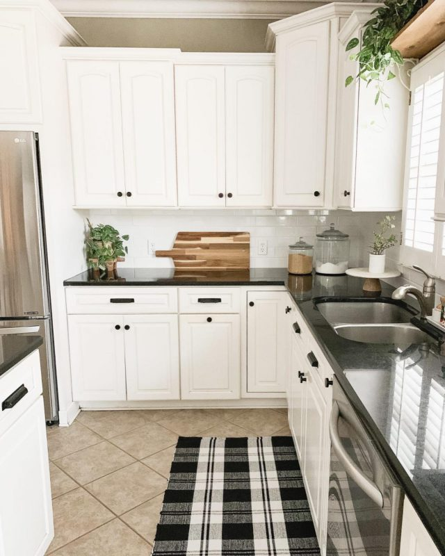 DIY subway tile kitchen reveal❤️ I've been wanting to change out the tile that was in our kitchen since we moved in 7 years ago (swipe left). It was pretty but not really my style. My husband and I finally tackled this project, and I'm sharing our tips and the full tutorial on the blog today. If you are a beginner like we are, then this is for you! Link in profile!  Also, head over to my Stories where I'm sharing the process of how we did it!   #bhghome #shiplap #modernfarmhouse #farmhousestyle #interiors123 #homedecor #farmhouseinspired #farmhousedecor #neutraldecor #americanfarmhousestyle #prettylittleinteriors #fixerupper #countrylivingmagazine #mydecorvibe #currentdesignsituation #betterhomesandgardens #subwaytile #diy
