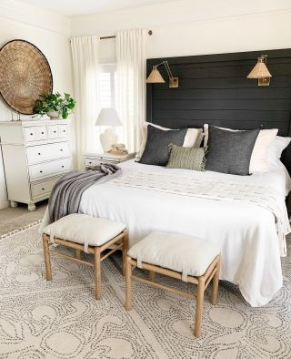 Happy Saturday! It's a beautiful day, and I'm busy cleaning and getting ready for a fun Easter Sunday. I hope you have a great day sweet friends!!   #modernfarmhouse #farmhousestyle #interior123 #bhghome #antiquefarmhouse #homedecor #shiplap #farmhouseinspired #farmhousedecor #magnoliahome #neutraldecor #americanfarmhousestyle #prettylittleinteriors #fixerupper #countrylivingmagazine #mydecorvibe #currentdesignsituation #betterhomesandgardens #ltkhome #moody_tones