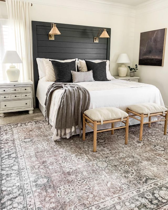 Happy Saturday! My bedroom got a summer refresh! I added this beautiful new rug and some artwork for some simple touches of moody. I'll be sharing all about my new rug that I'm so in love with in Stories today to be sure to check that out! I hope you have a lovely day sweet friends!   #modernfarmhouse #farmhousestyle #interior123 #bhghome #antiquefarmhouse #homedecor #shiplap #farmhouseinspired #farmhousedecor #magnoliahome #neutraldecor #americanfarmhousestyle #prettylittleinteriors #fixerupper #countrylivingmagazine #mydecorvibe #currentdesignsituation #betterhomesandgardens #ltkhome #moody_tones