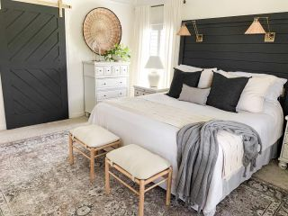 Happy Saturday!! On the blog, I shared 4 easy ways to add moody tones to your neutral space. I would love for you to check it out! Link in profile!  #modernfarmhouse #farmhousestyle #interior123 #bhghome #antiquefarmhouse #homedecor #shiplap #farmhouseinspired #farmhousedecor #magnoliahome #neutraldecor #americanfarmhousestyle #prettylittleinteriors #fixerupper #countrylivingmagazine #mydecorvibe #currentdesignsituation #betterhomesandgardens #ltkhome #moody_tones