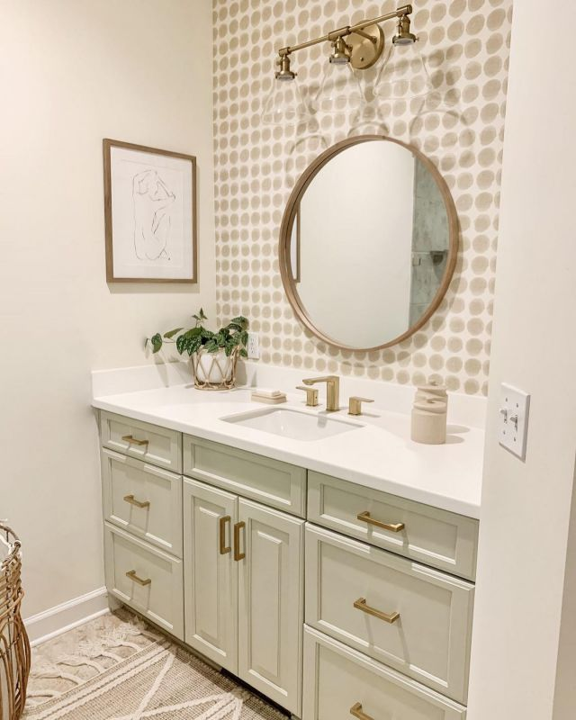 What is your favorite Facebook Marketplace find?? Mine is this arched cabinet that fit this wall in my bathroom perfectly (swipe left). Want to hear the best part? It was only $125!! It really added so much to this bathroom refresh. If you missed it, you can see the full tour on the blog. Link in Stories!  So, it's your turn. What is your favorite score from there?   #bhghome #shiplap #modernfarmhouse #farmhousestyle #interiors123 #homedecor #farmhouseinspired #farmhousedecor #neutraldecor #americanfarmhousestyle #prettylittleinteriors #fixerupper #countrylivingrrmagazine #mydecorvibe #currentdesignsituation #betterhomesandgardens #barndoor #diy #masterbathroom #archedcabinet