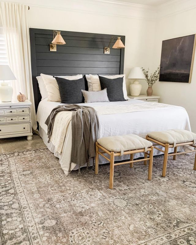 Happy Saturday!! What are you up to today?? We are spending the day going to the pumpkin patch and just enjoying this beautiful fall day! I hope you have a lovely day as well!!   #fall #falldecor #masterbedroom #bhghome #shiplap #modernfarmhouse #farmhousestyle #interiors123 #homedecor #farmhouseinspired #farmhousedecor #neutraldecor #americanfarmhousestyle #prettylittleinteriors #fixerupper #countrylivingrrmagazine #mydecorvibe #currentdesignsituation #betterhomesandgardens #diy